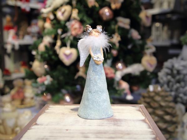 Modrý keramický anjel