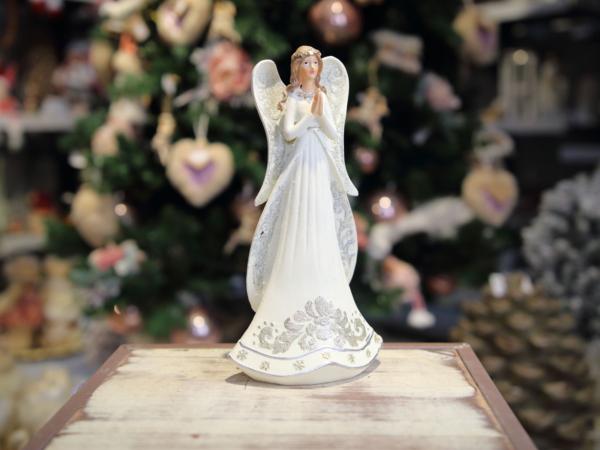 Keramický bielý anjel