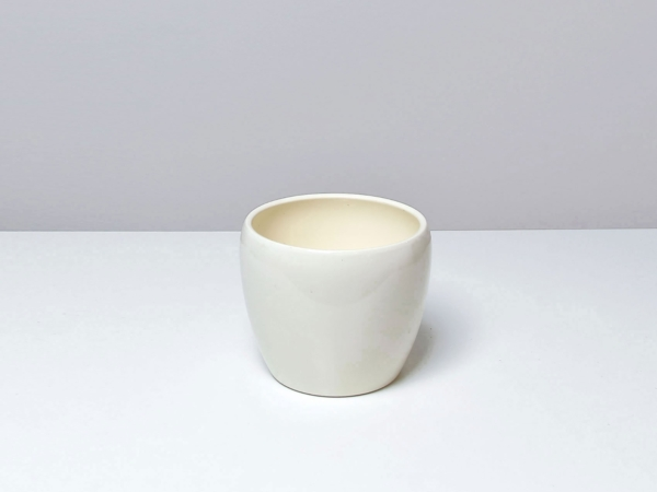 Krémový keramický kvetináč